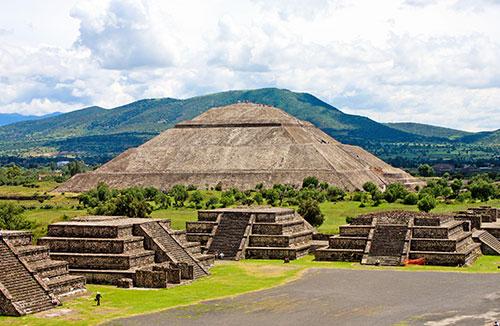 Teotihuacán y el Santuario de Guadalupe